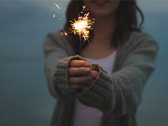 sparkler-677774__180